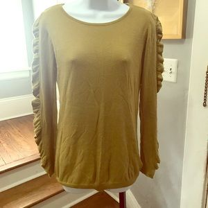 Willi Smith olive green sweater size small.